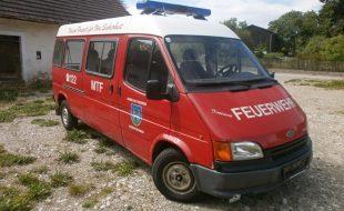 Verkauf eines Ford Transit 100 ELD 2,5 D (BJ 98) mit 9 Siten und Blaulichtanlage, Anhängevorrichtung, guter Zustand