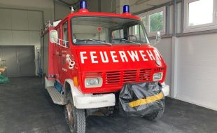 Feuerwehr Tanklöschfahrzeug TLF-A 2000 Steyr 690
